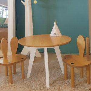 Silla conejo con mesa c